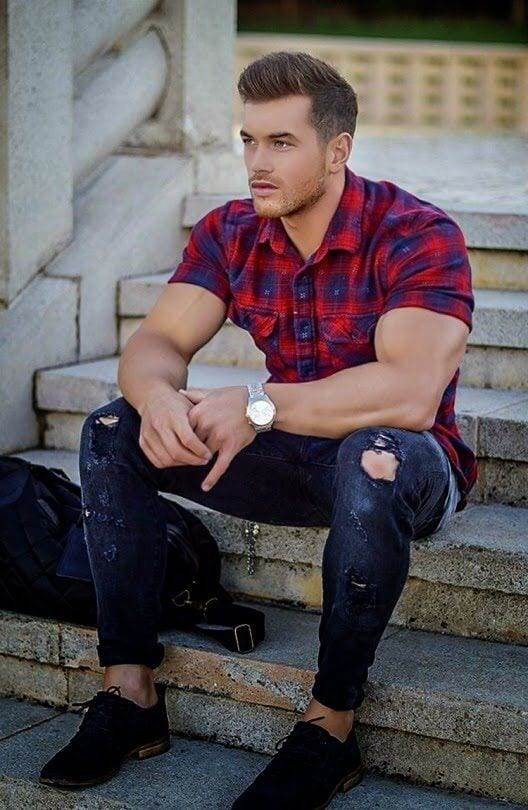 Men Ripped Jeans Outfits (7)