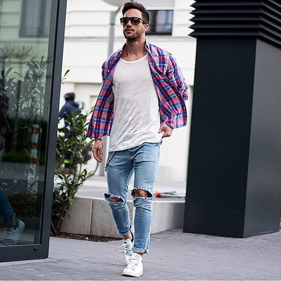 Men Ripped Jeans Outfits (15)