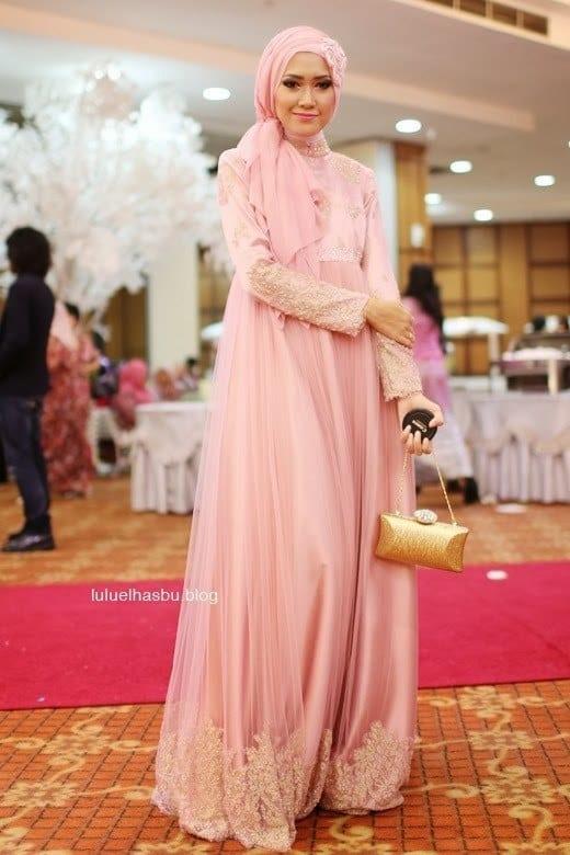 hijab-29 Hijab Engagement Dresses - 27 Beautiful Engagement Dresses for Hijabis