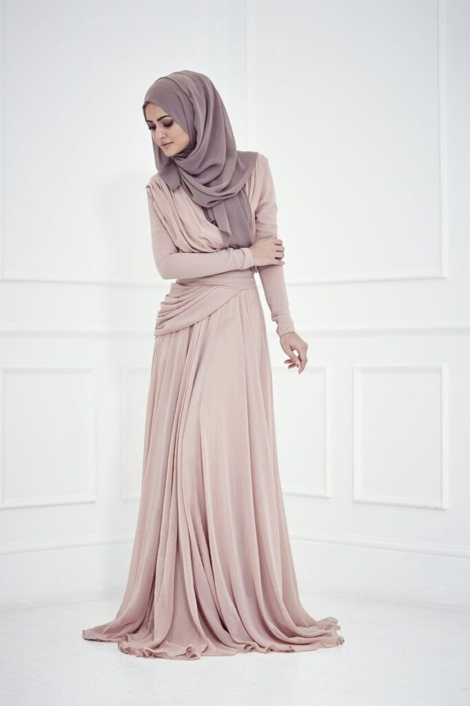 hijab-44-682x1024 Hijab Engagement Dresses - 27 Beautiful Engagement Dresses for Hijabis