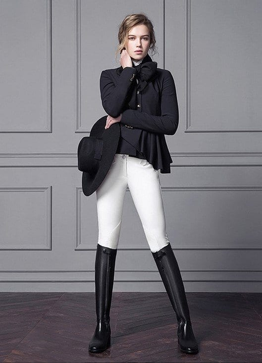 horses-1 18 Trendy Equestrian Inspired Outfit Ideas for Women