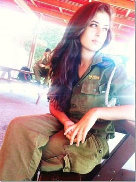 hot-israeli-soldier-4_thumb Top 20 Countries With Most Attractive Female Soldiers In World