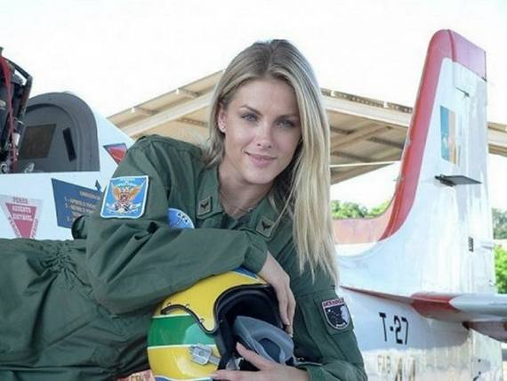 sexy-military-women-around-the-world-brazil-06 Top 20 Countries With Most Attractive Female Soldiers In World