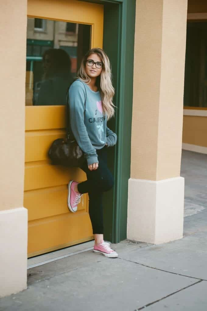 sporty-outfits-1-680x1024 19 Cute Sporty Style Outfits for School Every Girl Must Try