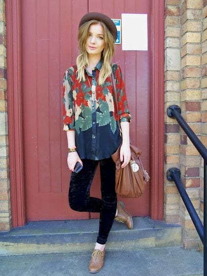 Outfits with Velvet Leggings (10)