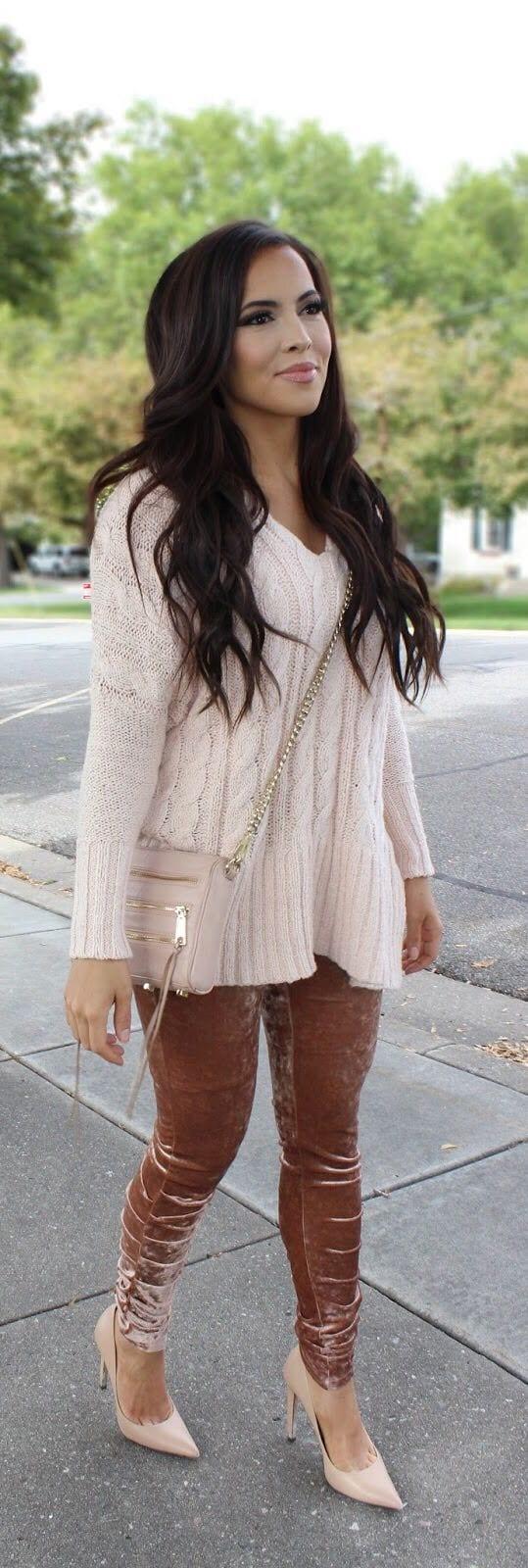 Outfits with Velvet Leggings (5)