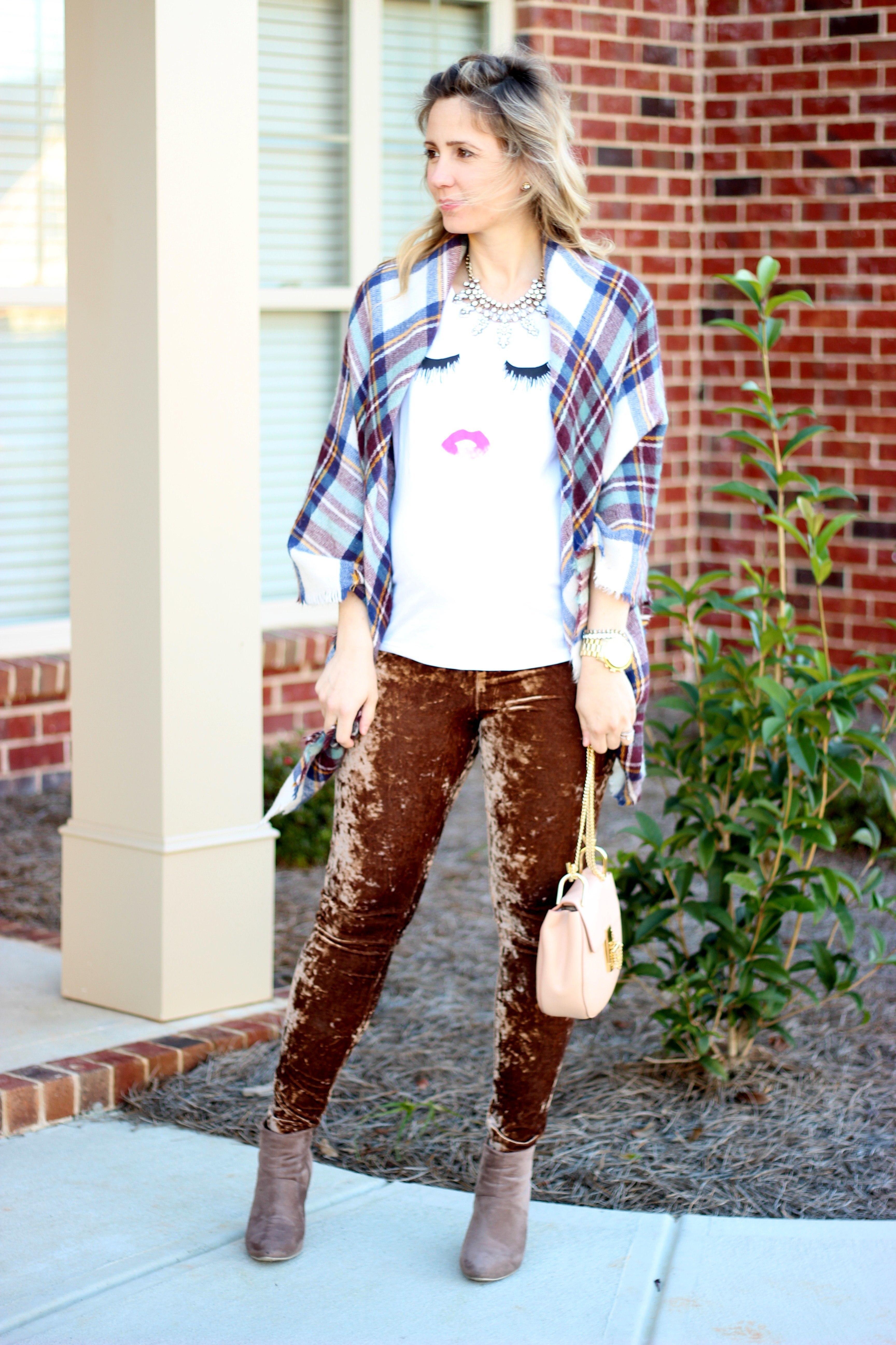 Outfits with Velvet Leggings (18)
