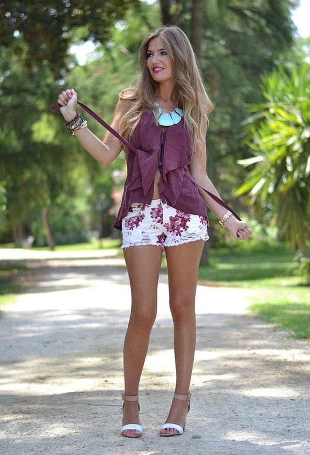 FLORAL-18 Outfits with Floral Shorts - 40 Ways to Style Floral Shorts