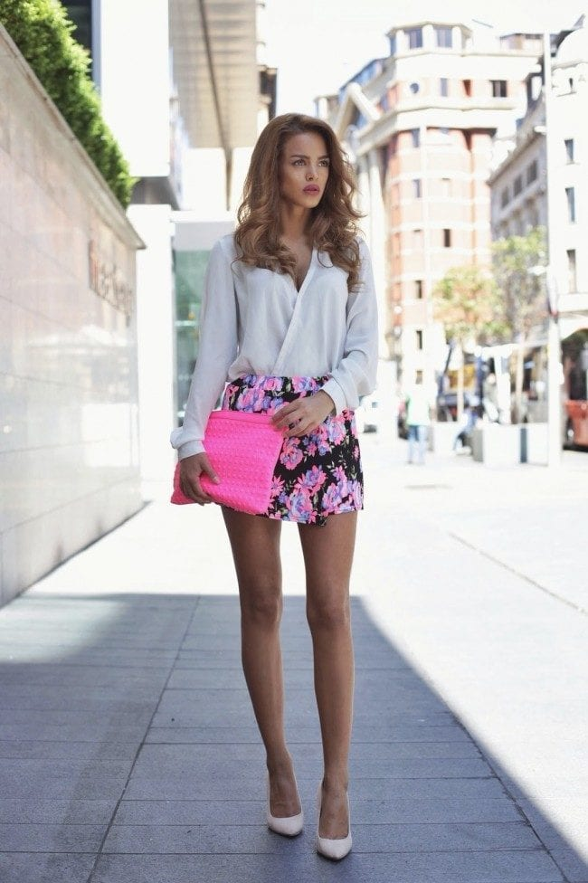 FLORAL-4-1 Outfits with Floral Shorts - 40 Ways to Style Floral Shorts