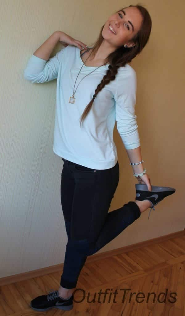 Sporty5-600x1024 How to Look Cute in a Casual Outfit - Fashion Tips for Teens