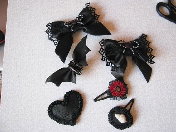 DIY-gothic-hair-accessories-for-girls Gothic Hairstyles-20 Best Hairstyles for Gothic Look for Girls