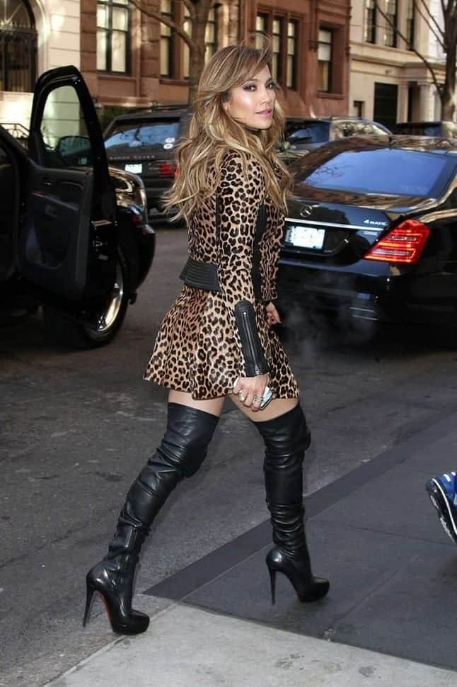 Jennifer-Lopez-In-Leopard-Print-Dress-03 How To Wear Mini Dresses? 23 Great Ways To Wear Mini Dresses