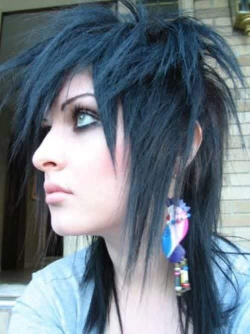 gothic-15 Gothic Hairstyles-20 Best Hairstyles for Gothic Look for Girls