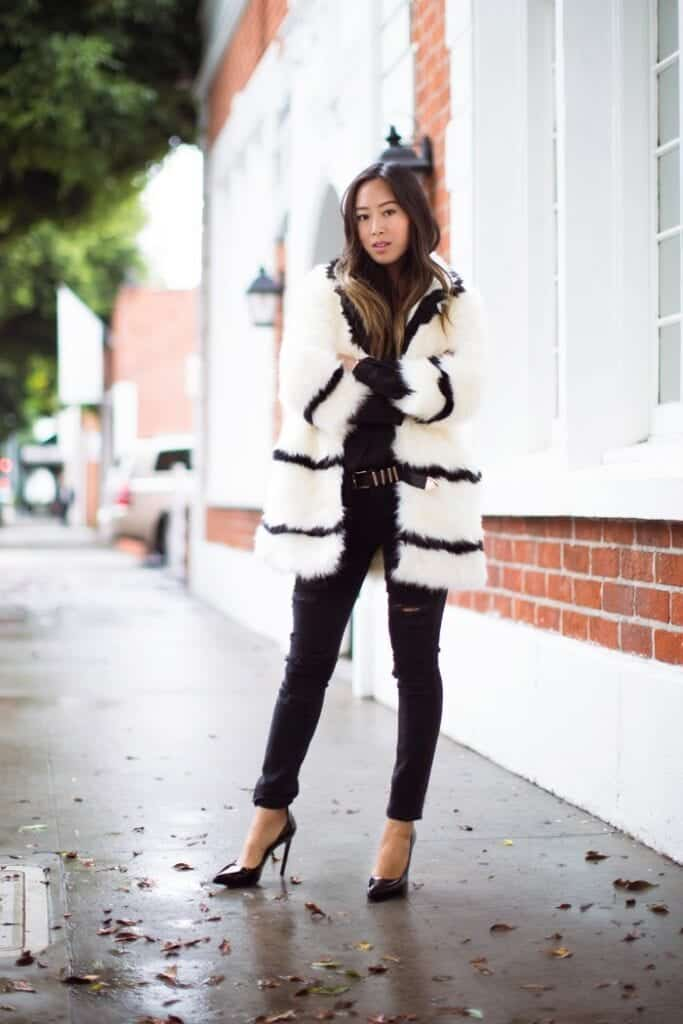 plush-coat-and-black-pants-683x1024 Outfits with Black Jeans-23 Ways to Style Black Denim Pants