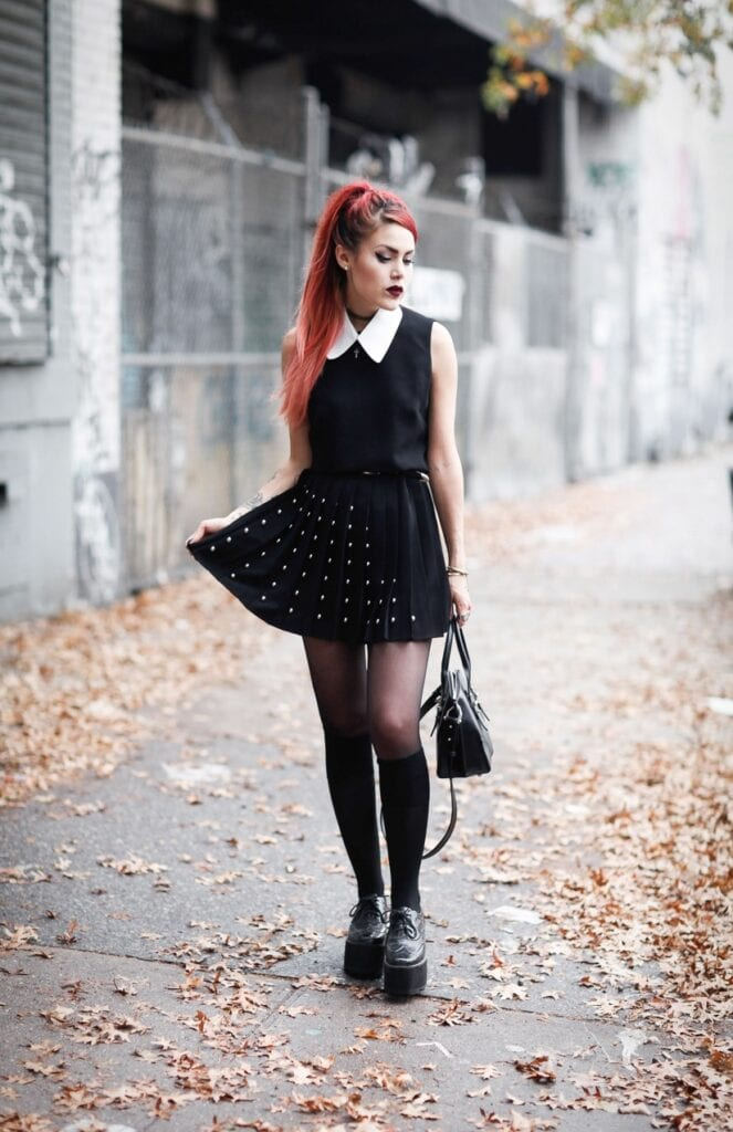 5.-black-collar-dress-with-platform-shoes-663x1024 Grunge Style Clothes-20 Outfit Ideas for Perfect Grunge Look
