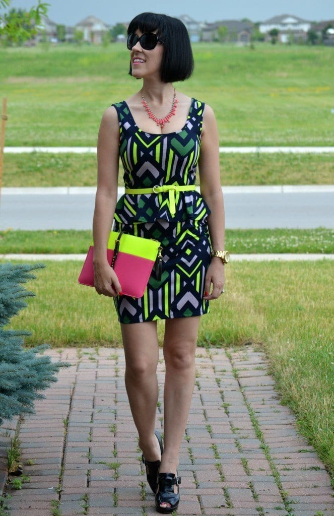 Neon Outfits for Women-16 Latest Neon Fashion Trends to Follow