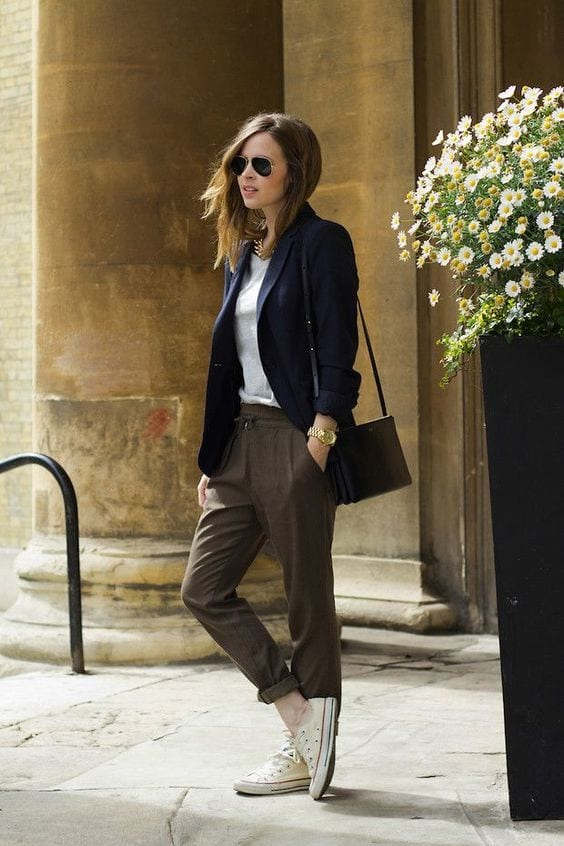 b7b63ecf082e0c7e415fd9742e316d06 Womens' Suits With Sneakers - 27 Ways To Style Suits With Sneakers