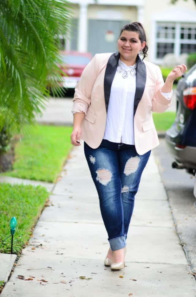 pink-blazer-14 Outfits with Pale Pink Blazers-19 Ways to Wear pink Blazers