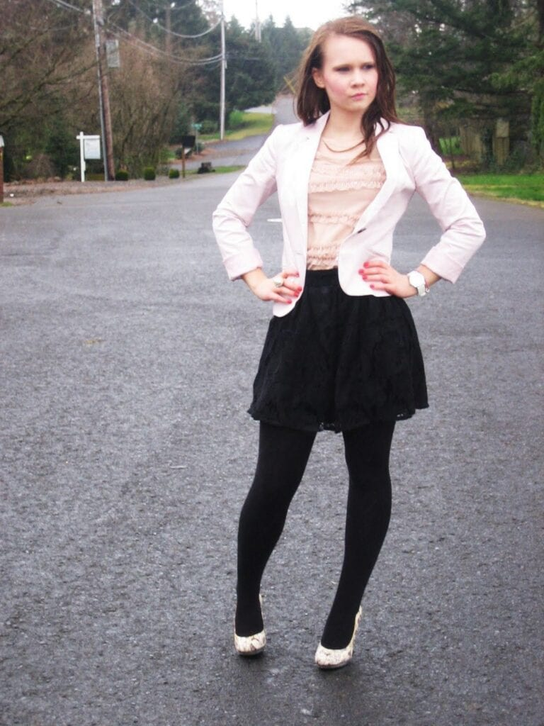 pink-blazer-4-768x1024 Outfits with Pale Pink Blazers-19 Ways to Wear pink Blazers