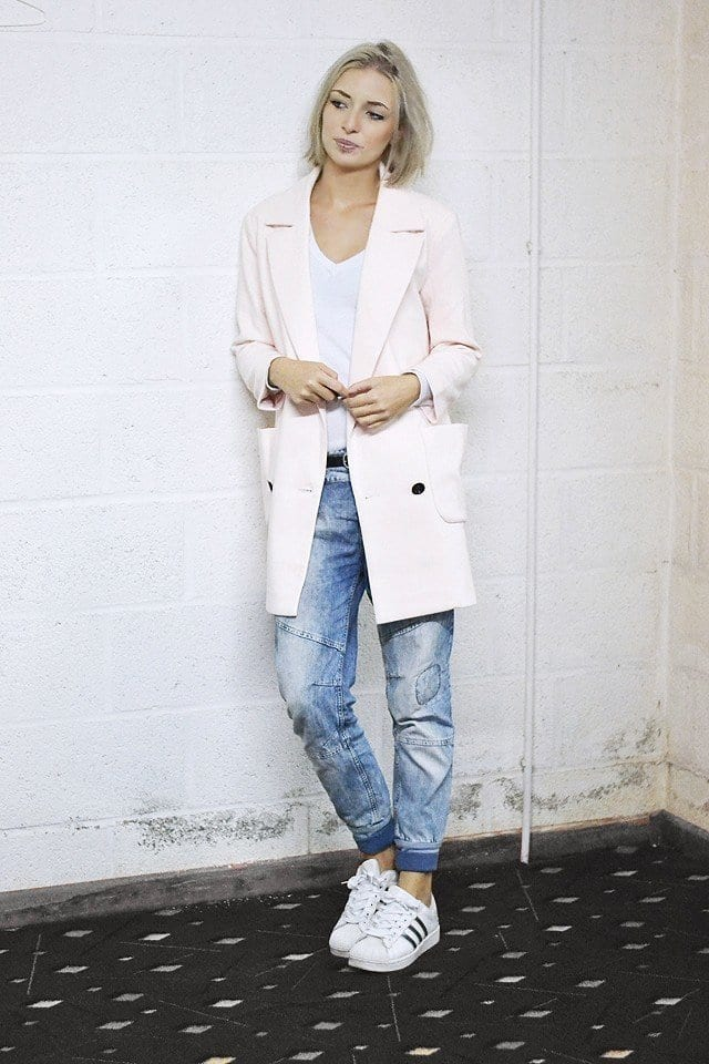 pink-blazer-8 Outfits with Pale Pink Blazers-19 Ways to Wear pink Blazers