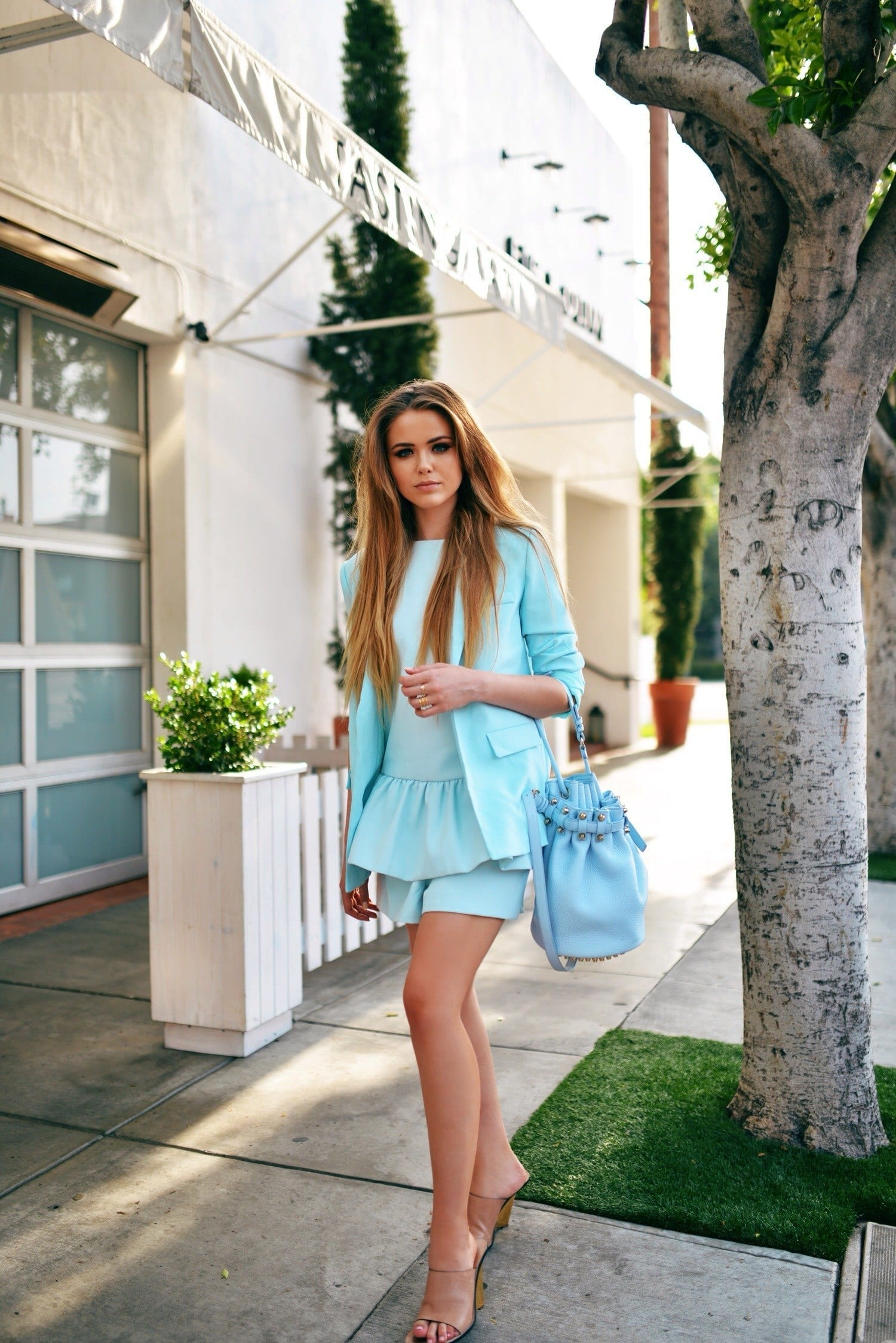 1.-nude-mules-with-pastel-blur-outfit-and-bucket-bag Outfits With Mules- 25 Ideas How To Wear Mules Shoes