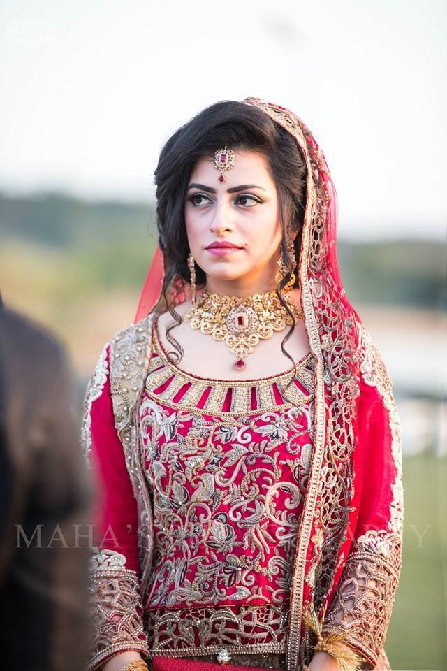 12916141_869576279819201_6146122800167803943_o 20 Pakistani Wedding Hairstyles for a Perfect Looking Bride