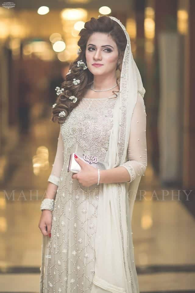 13041430_888137987963030_5477783952069847562_o 20 Pakistani Wedding Hairstyles for a Perfect Looking Bride