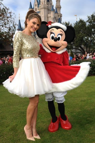 2012DisneyChristmasSpecialTapingbvz8RukNjSCl 20 Cute Outfits To Wear At Disney World For Memorable Trip