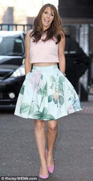 267EA72900000578-0-image-a-13_1425985210184 20 Ideas How to Style Floral Skirts This Spring/Summer