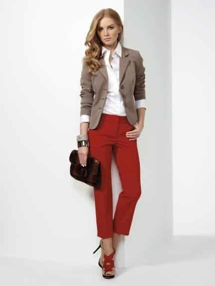 Stylish Outfits With Red Pants (3)