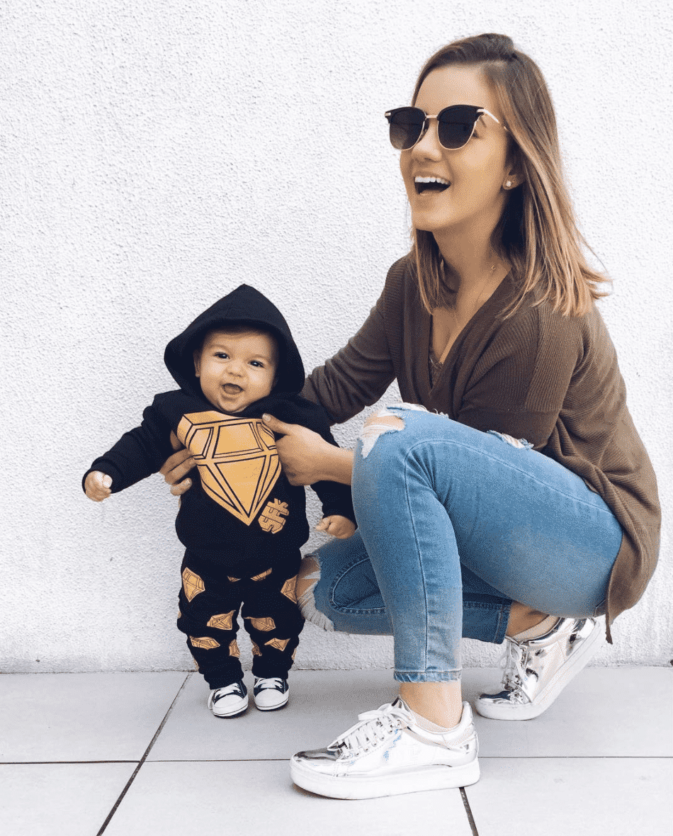 Casual-styles-for-mom Outfits For Mums-28 Fashionable Clothes for Mothers This Year