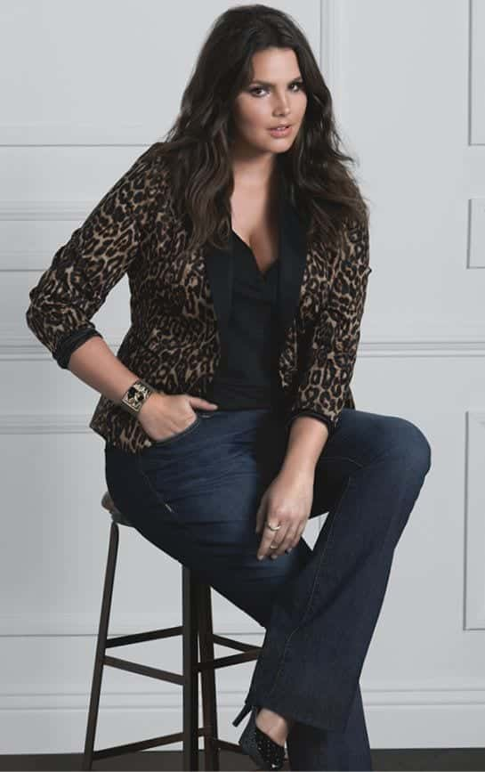 Stylish ways for curvy and plus size women to wear Blazer (8)