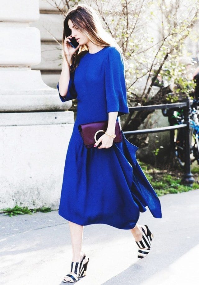 cobalt-long-midi-dress-oversized-bold-black-and-white-stripes-wedges-mules-spring-street-style-via-collage-vintage-640x917 Outfits With Mules- 25 Ideas How To Wear Mules Shoes