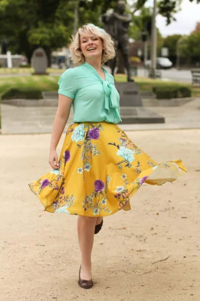 eurpoa-1708-682x1024 20 Ideas How to Style Floral Skirts This Spring/Summer