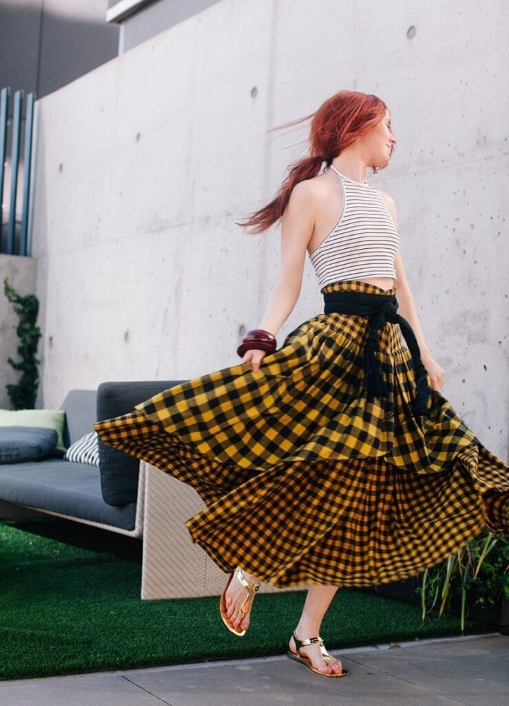 peasant-skirt-outfit-ideas-9-739x1024 Peasant Skirts Outfits-17 Ways to Wear Peasant Skirts Rightly