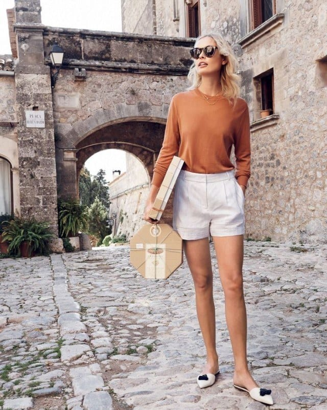 shorts-jetsetter-summer-mules-classic-preppy-via-jrew.com_-640x804 Outfits With Mules- 25 Ideas How To Wear Mules Shoes