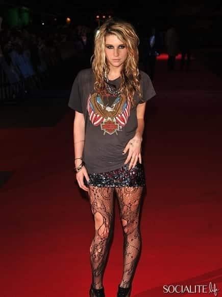 5-1 Rocker Chic Outfits-17 Ways To Dress Like a Rocker Chic