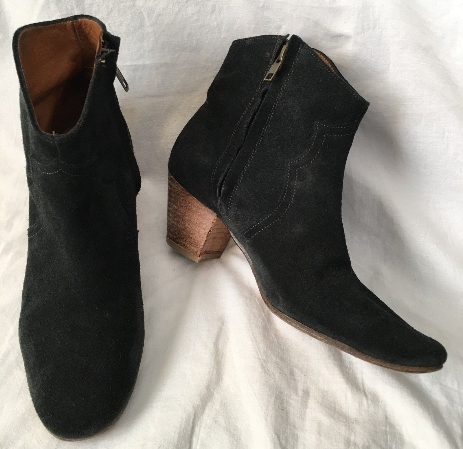 black-suede-booties-for-country-concert Country Concert Outfits For Women - 20 Styles To Try