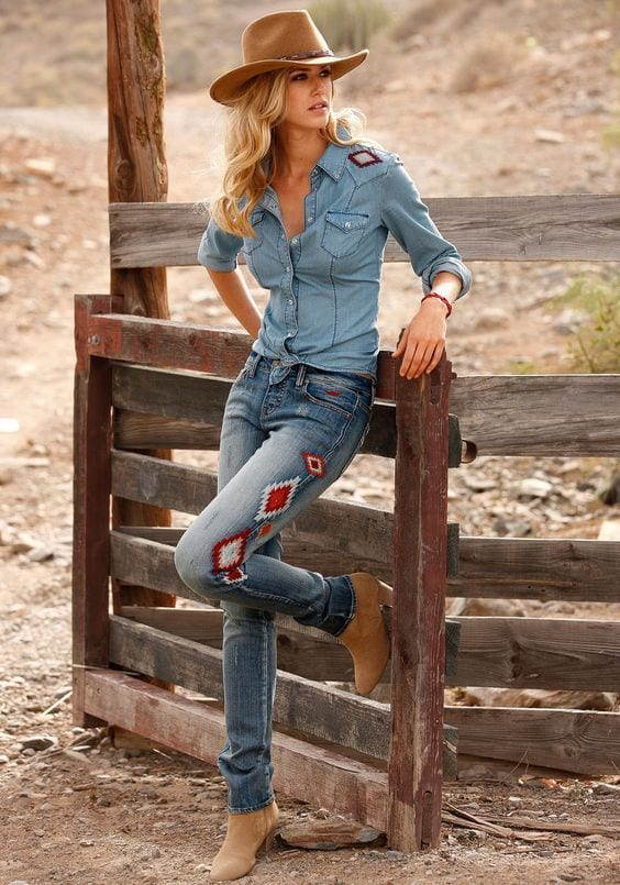 country Country Concert Outfits For Women - 20 Styles To Try