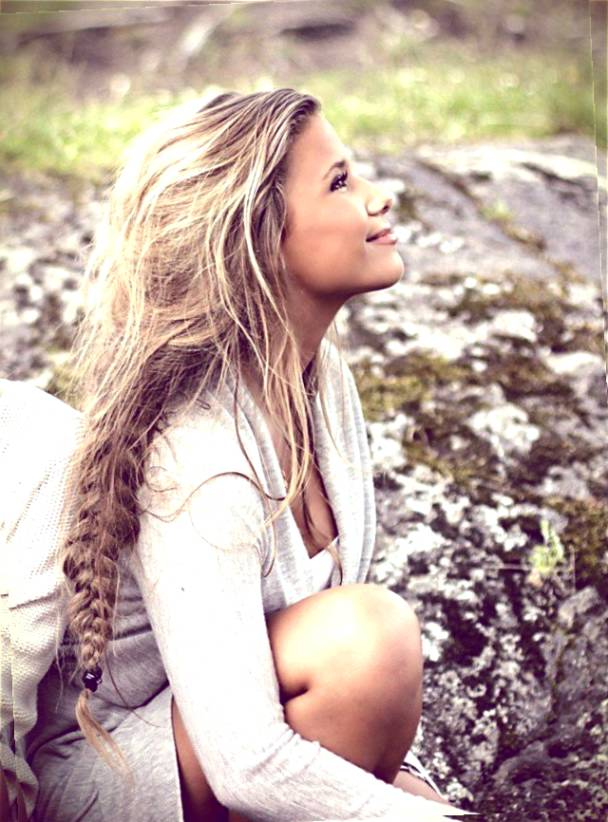 Cute Hippie Hairstyles (12)