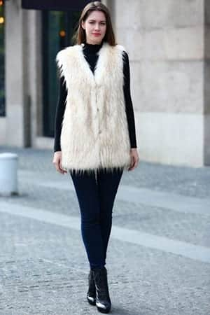 4-2 Outfits with Faux Fur Coat - 20 Ways to Wear Faux Fur Coat