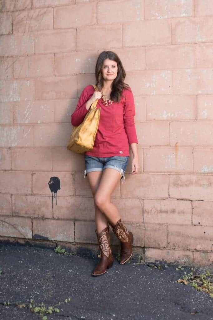 cowboy-boots-outfits16-683x1024 Outfits with Cowboy Boots -19 Ways to Wear Cowboy Shoes
