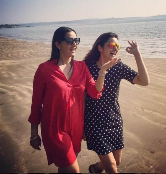 parineeti-chopra-beach-outfit Bollywood Celebrities Beach Outfits-25 Indian Actress Beachwear