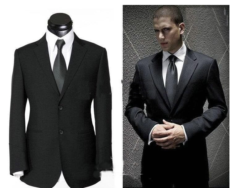 The business formal dress code is meant to convey the utmost professionalism through your attire. Whether you're just representing yourself or standing in for an entire company, this style of dressing should focus on being elegant and distrib-u5b2od.ga may sound a bit stuffy, but personal touches like accessories and footwear show your personal style while maintaining a professional look.