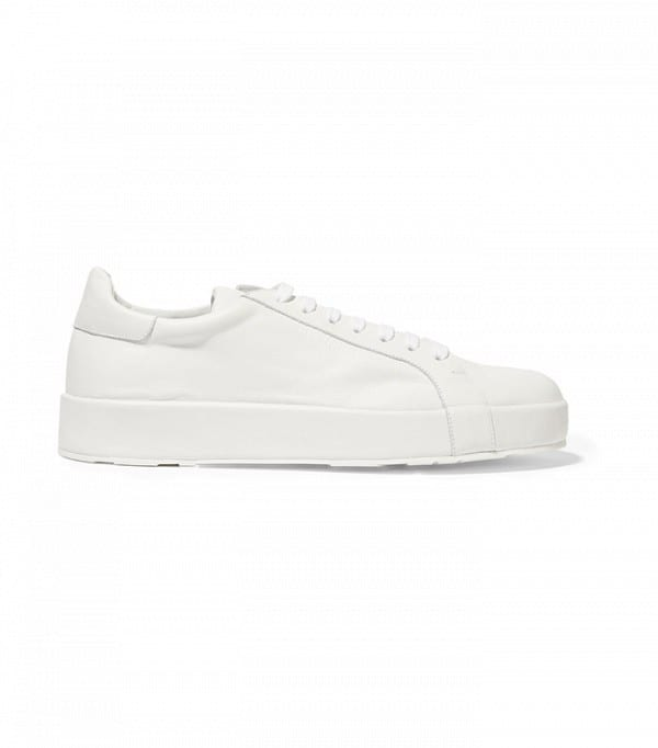 jil-sander-leather-sneakers Shoes With Skinny Jeans Women-18 Perfect Outfit Combinations