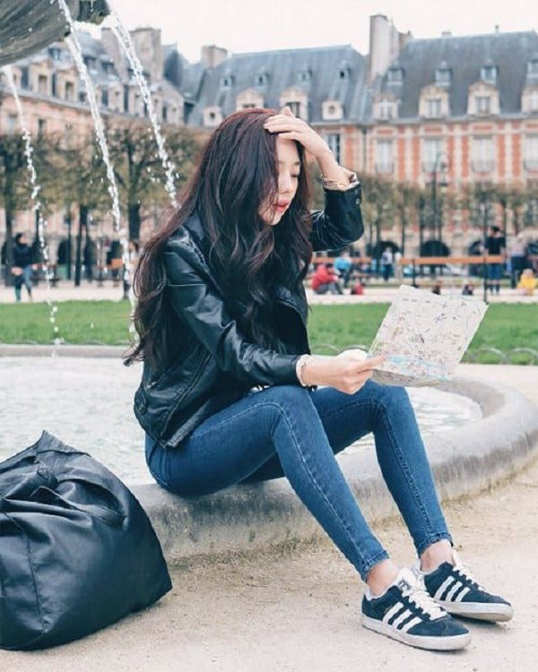 What-To-Wear-With-Adidas-Trainers-and-Sneakers-For-Women-Chic-Street-Style-12 30 Cute Outfits with Adidas Shoes for Girls to try this Year