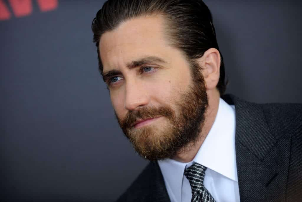 best-beard-styles-for-oval-face-1024x683 Beard Styles for Round Face-28 Best Beard Looks for Round Faces