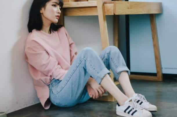 gyms5c-l-610x610-shoes-fashion-cute-adidas-jeans-boyfriend-sweater-white-black-sneakers-tennisshoes-pink-pinksweater-grunge-pastel-alternative-jean 30 Cute Outfits with Adidas Shoes for Girls to try this Year
