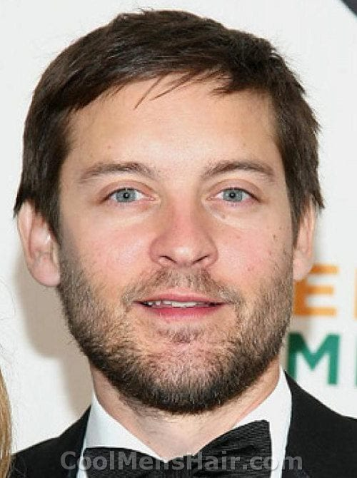 tobey-maguire-full-beards Beard Styles for Round Face-28 Best Beard Looks for Round Faces