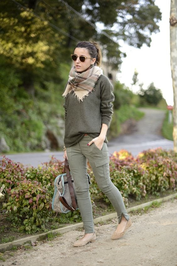 Cargo pants outfits for women (2)